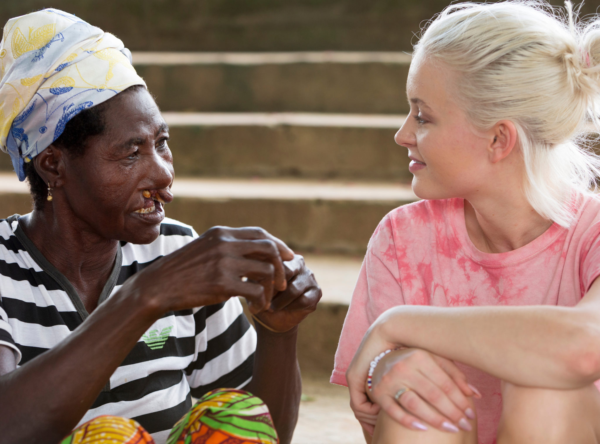 artist zara larsson i ghana med operation smile